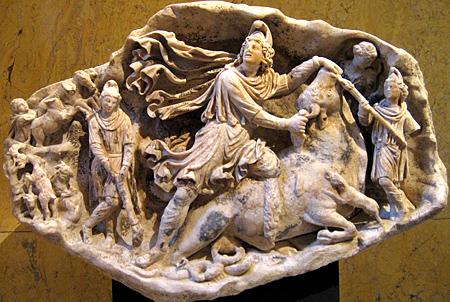羅馬帝國出土的密特拉雕塑 圖片來源:Tertullian