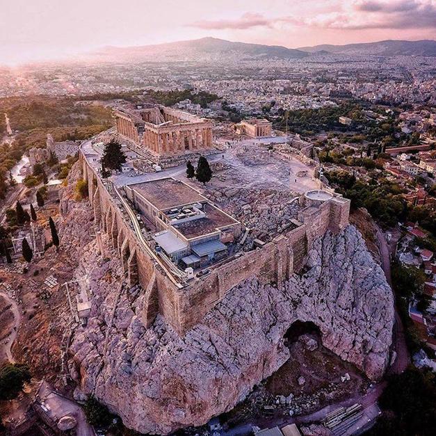 屬於雅典娜的神之地-雅典衛城