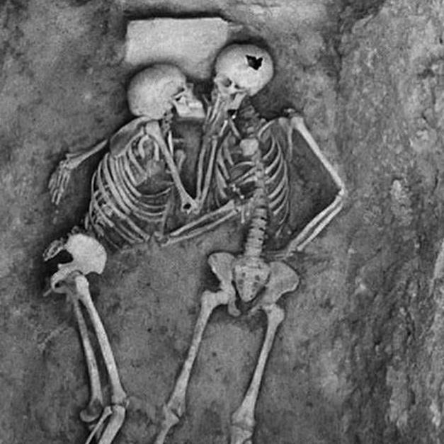 跨越二千年的愛情故事:「無論是多少年,我都要跟你在一起。」