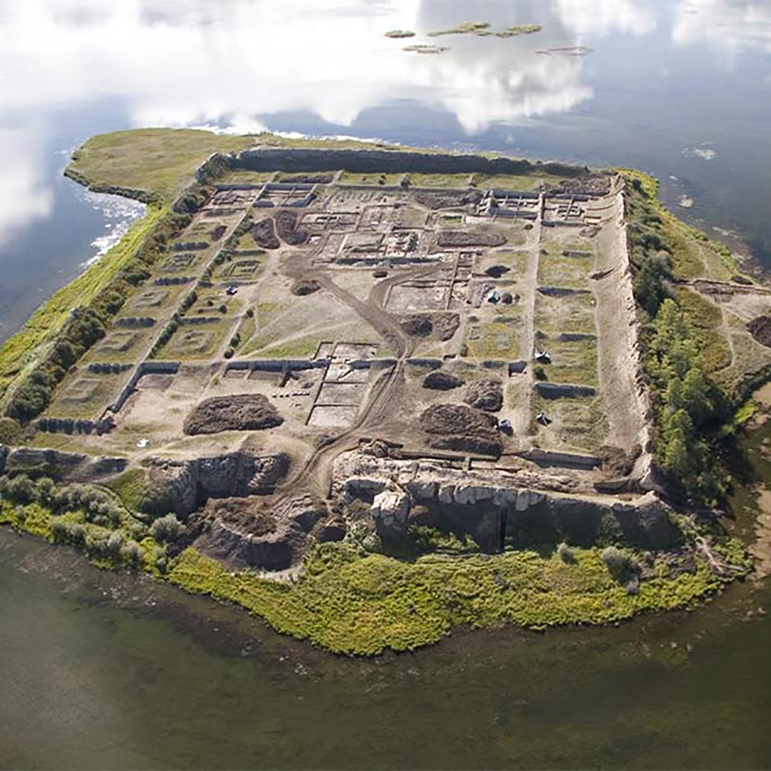 湖中心的神秘摩尼教遺跡-博爾巴任